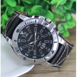 Masívne moderné hodinky